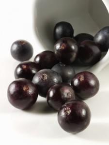 La baie d'acai biologique un fruit antioxydant naturel puissant